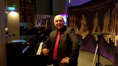 Catalin Cotelin - The Piano Man