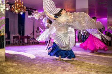 Elmas Dansatoare Orientala