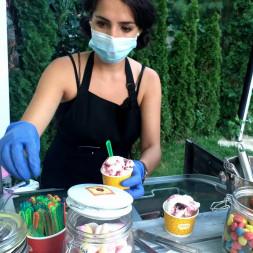 Ice Cream Bar pentru evenimentul tău!